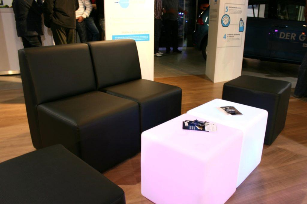 black lounge 1024x682