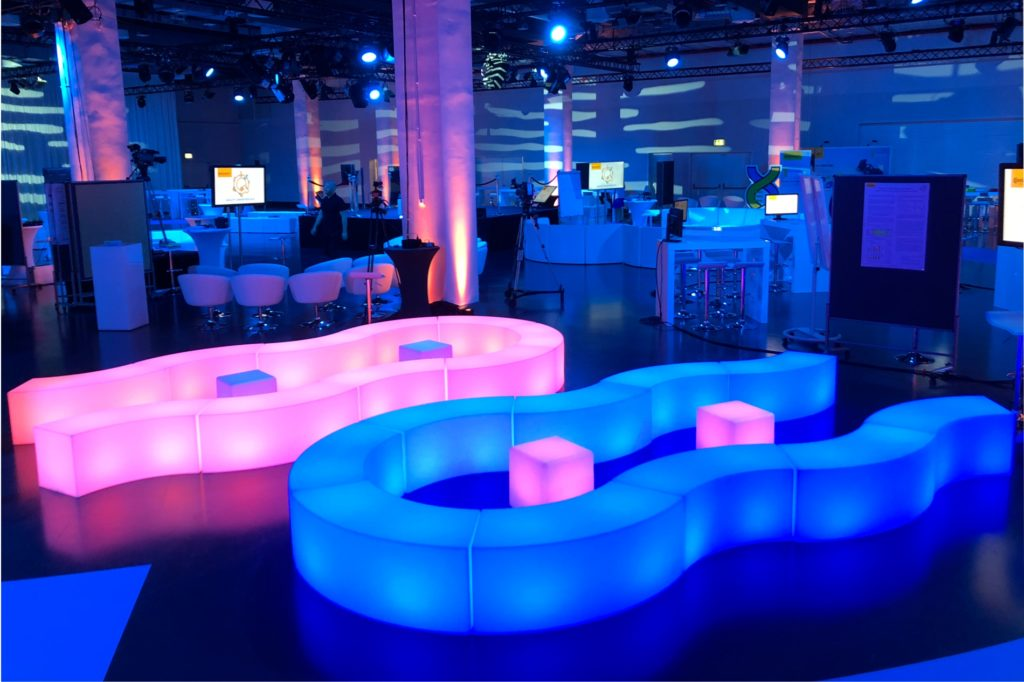 led loungebank mieten 1 1024x682