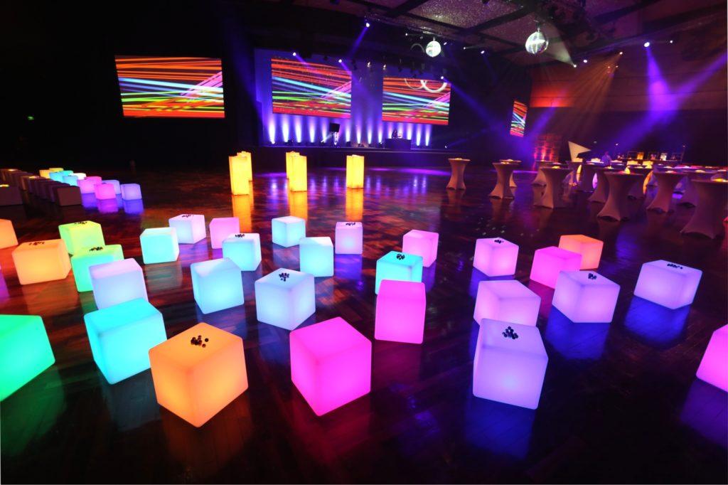 led sitz cube mieten 1024x682