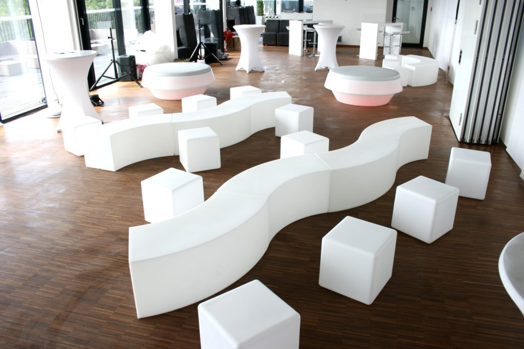 loungemoebel kunststoff 1 1024x682