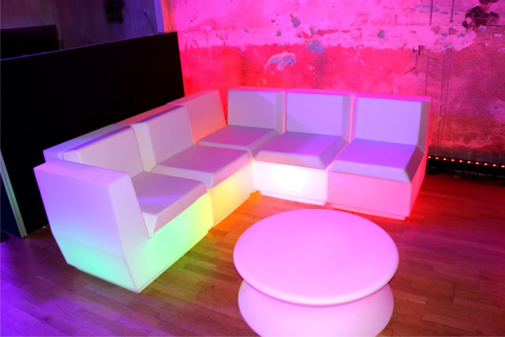 loungemoebel led sofa 1024x683
