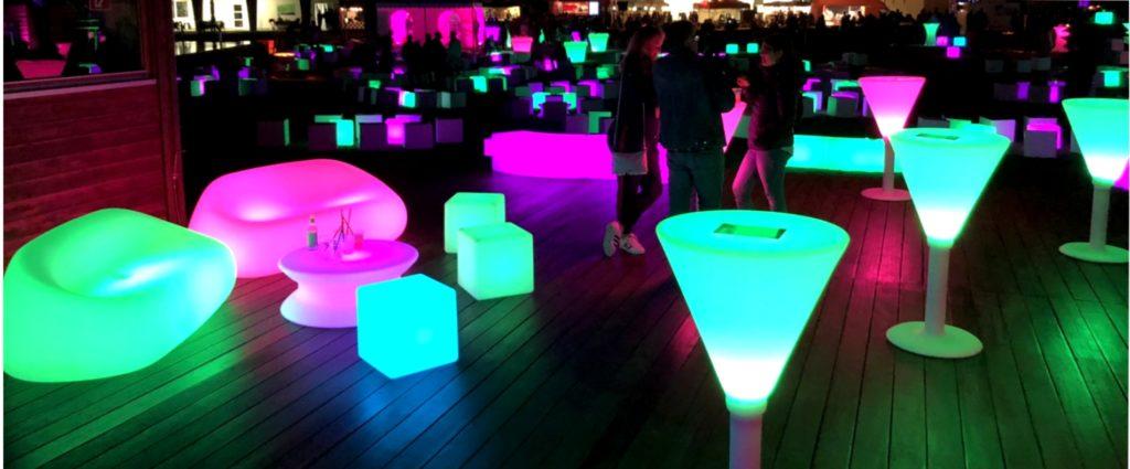 loungemoebel leuchtstehtisch 3 1024x425