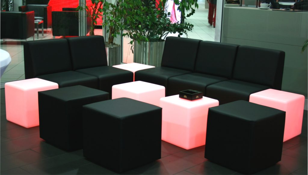 loungemoebel schwarz mieten 1024x584