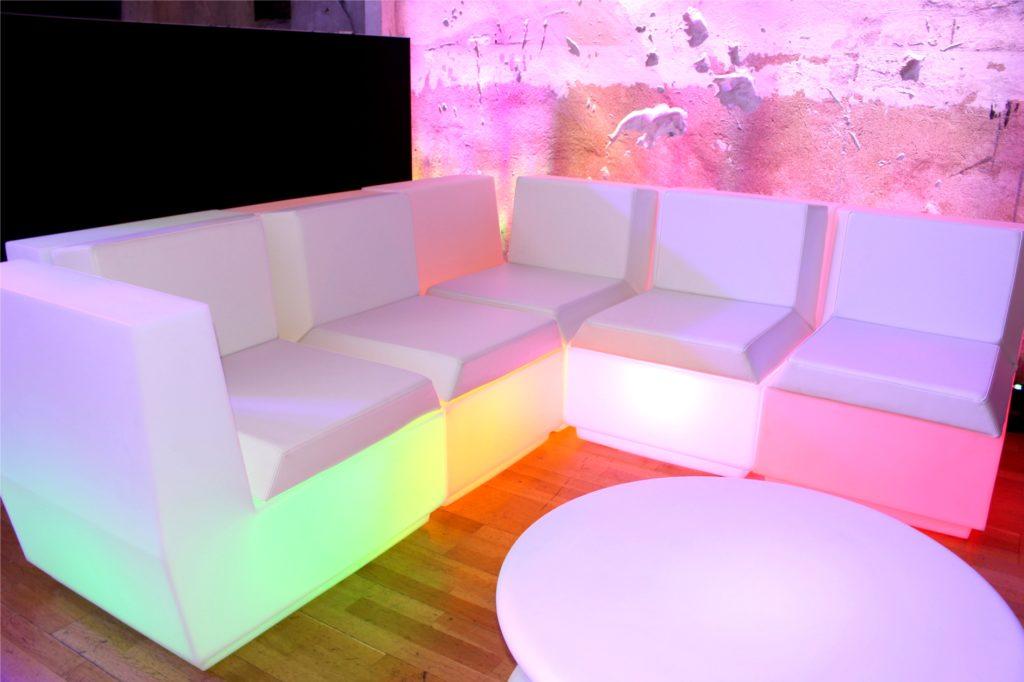 outdoor led sofa 1024x682