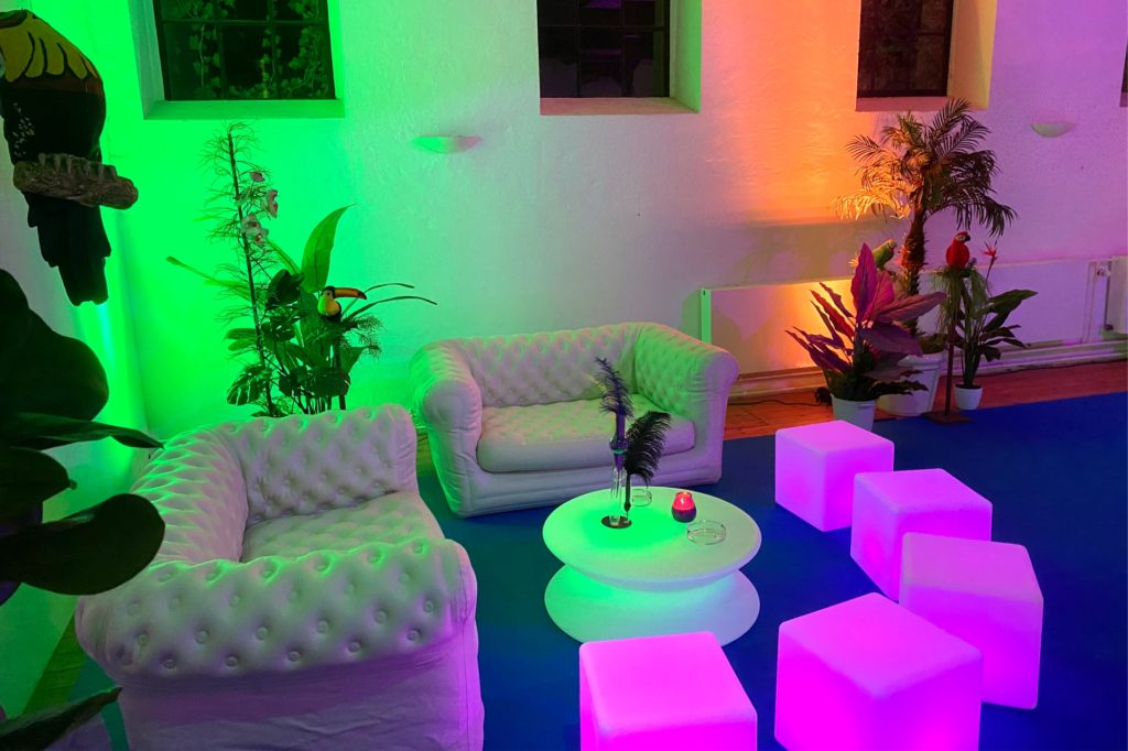 outdoor loungesofa mieten 1024x682