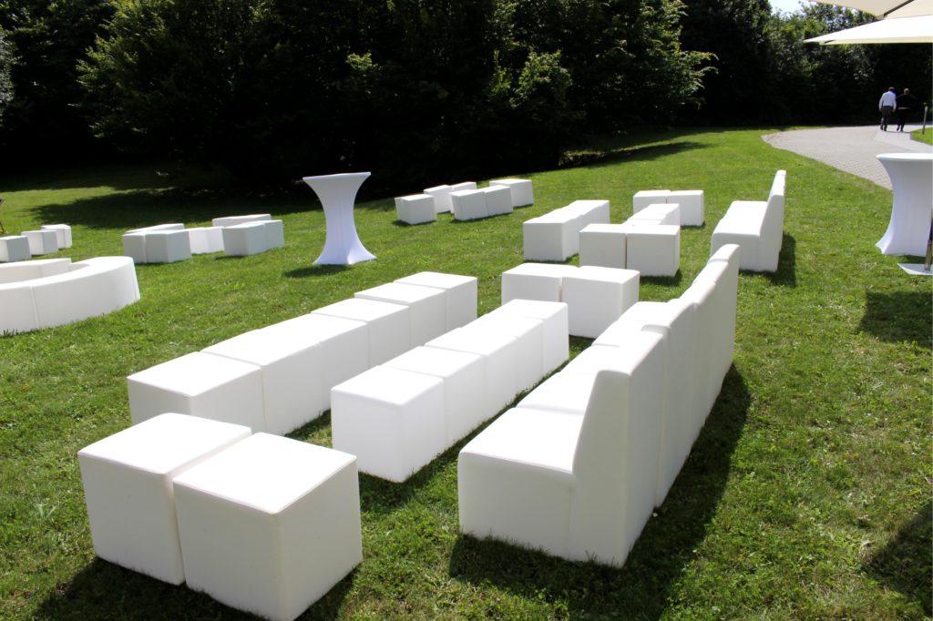 rasen loungemoebel mieten 1024x682