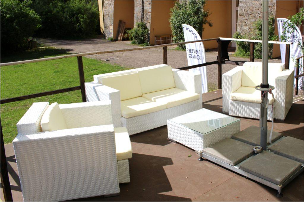 rattan sofa outdoor 1024x682