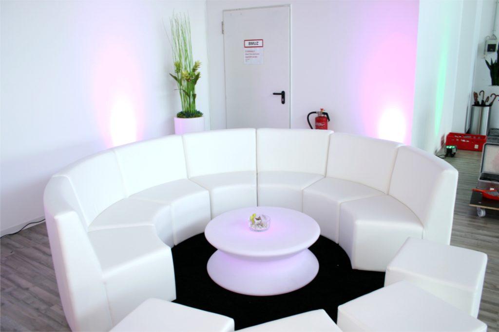 rundes loungesofa mieten 1024x683
