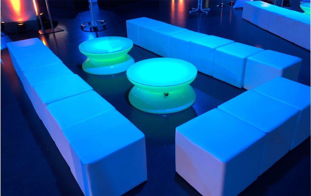 sitzwuerfel loungemoebel mieten 1024x648