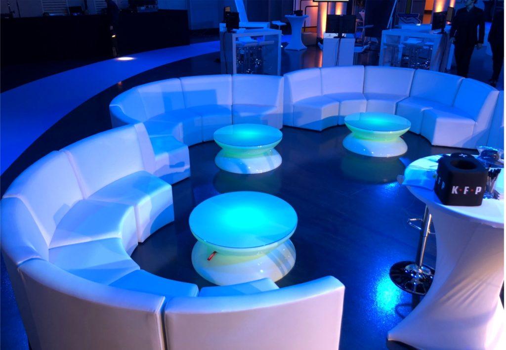 sofa halbkreis mieten 1 1024x708