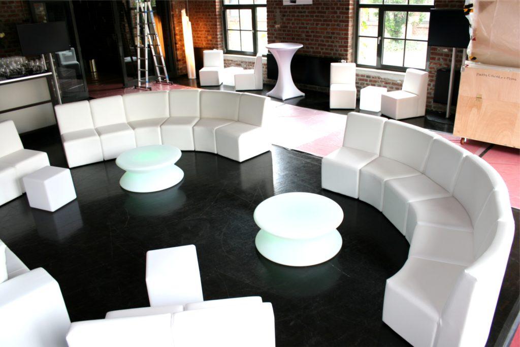 sofa in rund mieten 1024x683