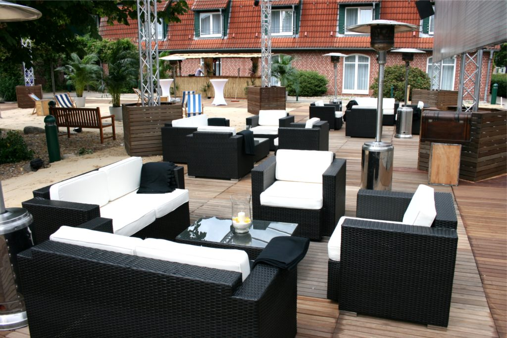 sofa rattan mieten 1024x683
