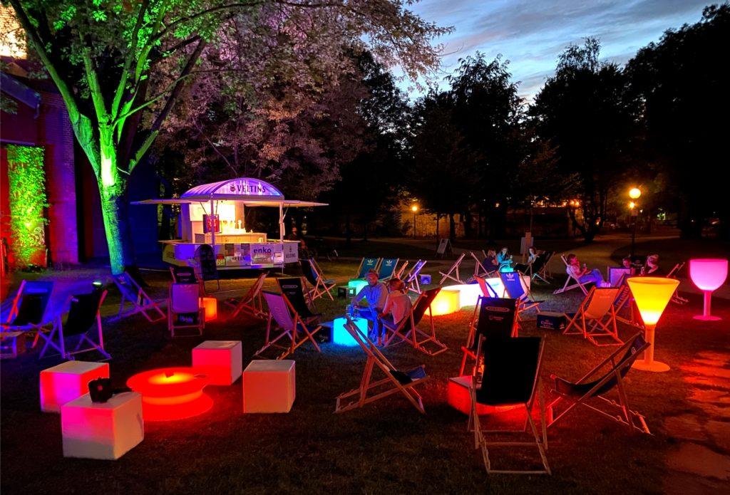 summer outdoor lounge 1024x695