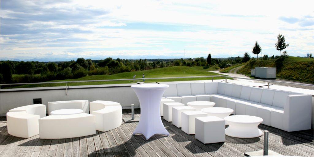 white lounge loungeinsel 1024x513