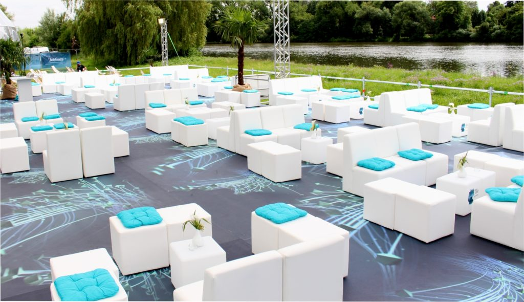white lounge mieten 1024x590